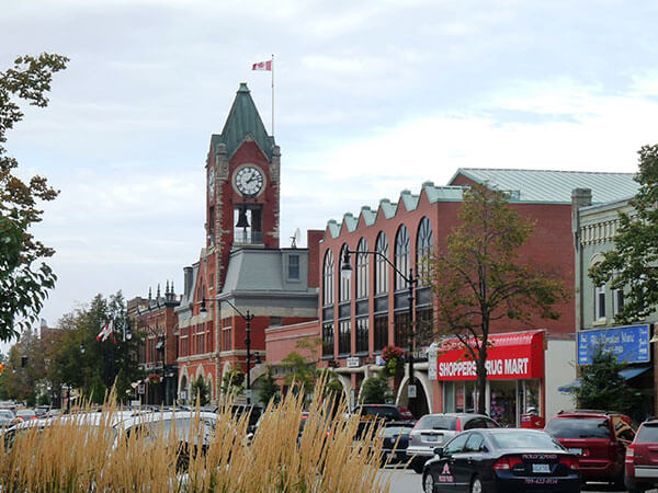 Shop and Eat Downtown Collingwood